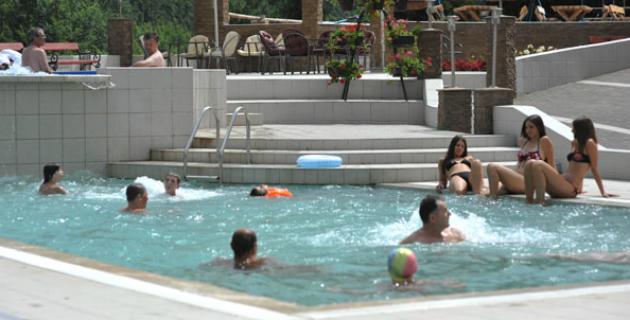 Jelak otvoreni bazen