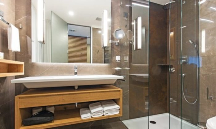 Gorski - Kupatilo u De Luxe sobi