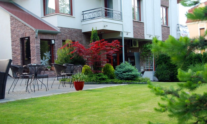 Cvetni konaci hotel 2