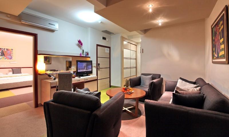 Hotel Mona - Apartman 1