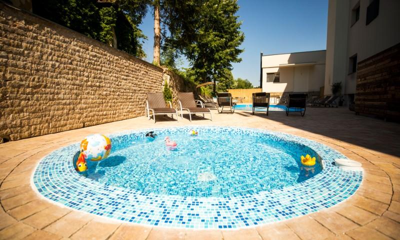 Hotel Slatina - Bazen za decu