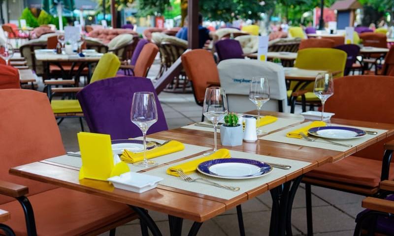 Zepter hotel - Restoran u basti