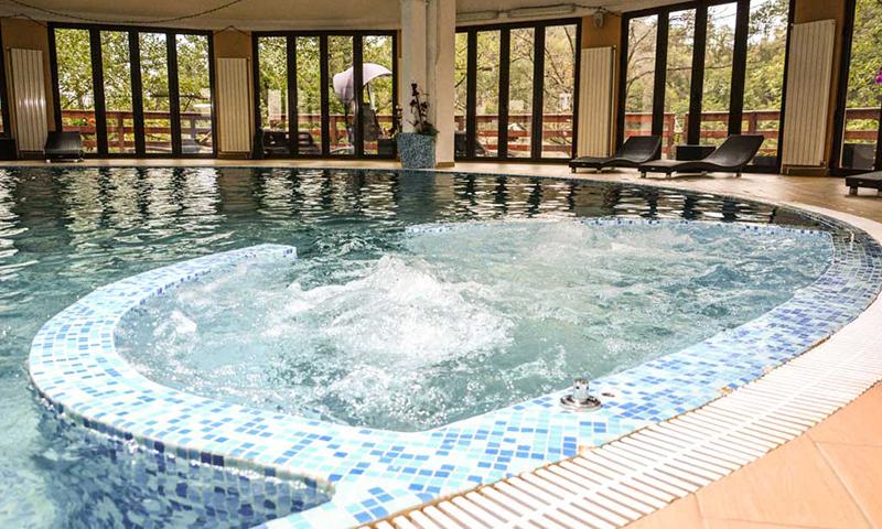 hotel-jezero-bazen